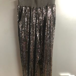 Loose sequined pants
